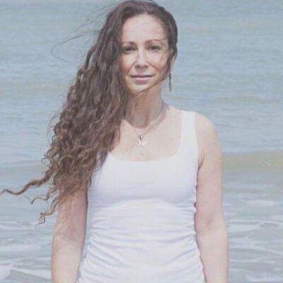 Davine Lemeire - Yogatherapeut & Hoogsensitief Therapeut