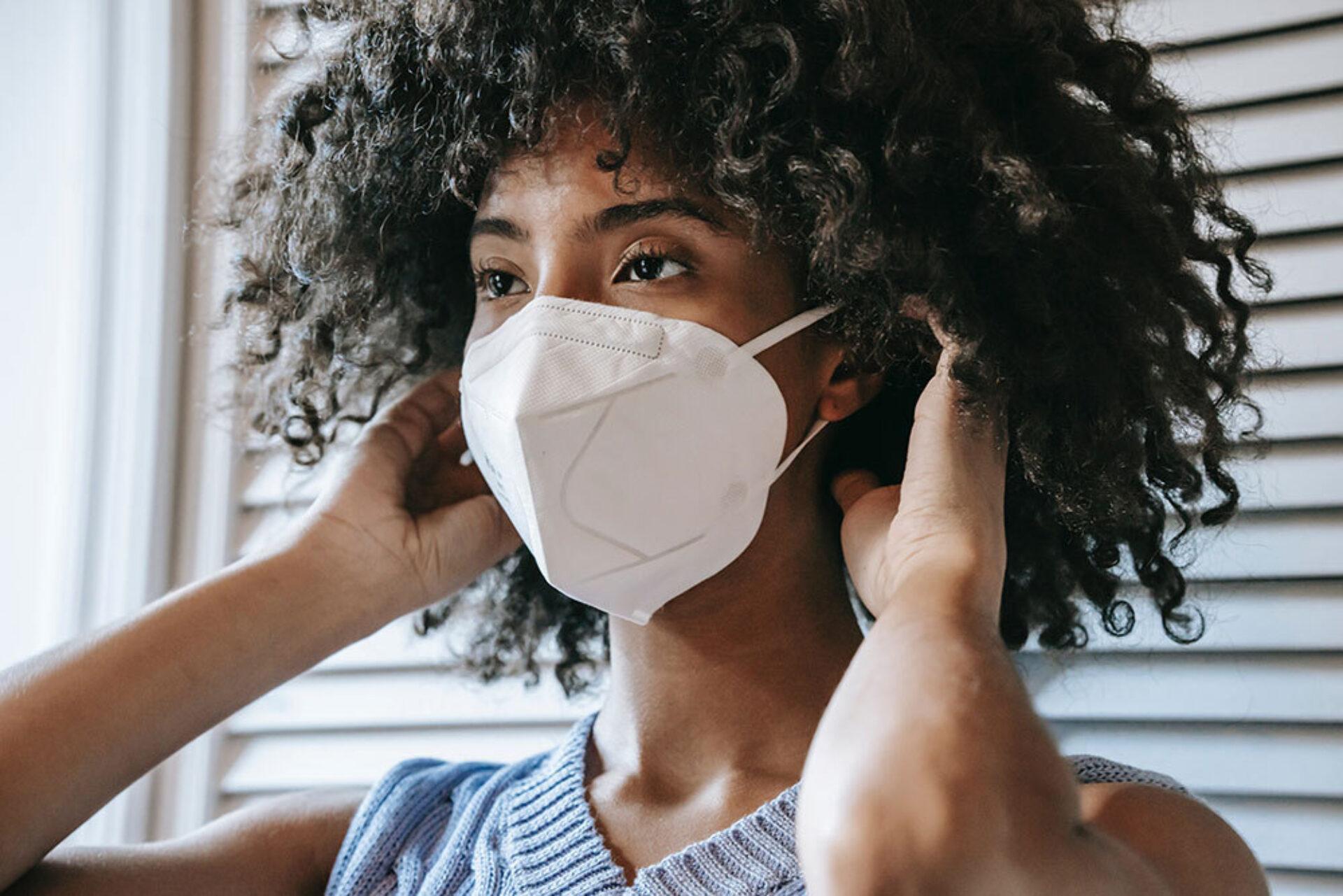 Waarom de mondkapjesplicht per direct afgeschaft moet worden