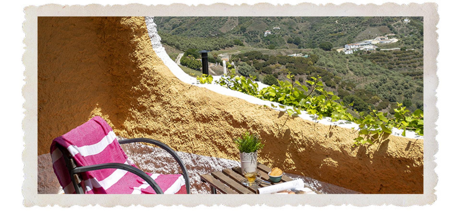 Reportage - Eliza toont je de andere kant van Ibiza