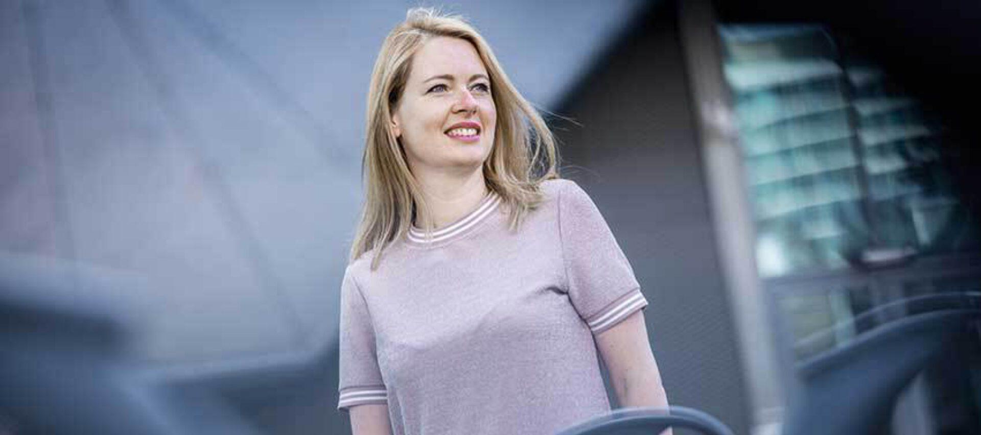 De persoon achter... een interview met astrologe Esther Van Heerebeek