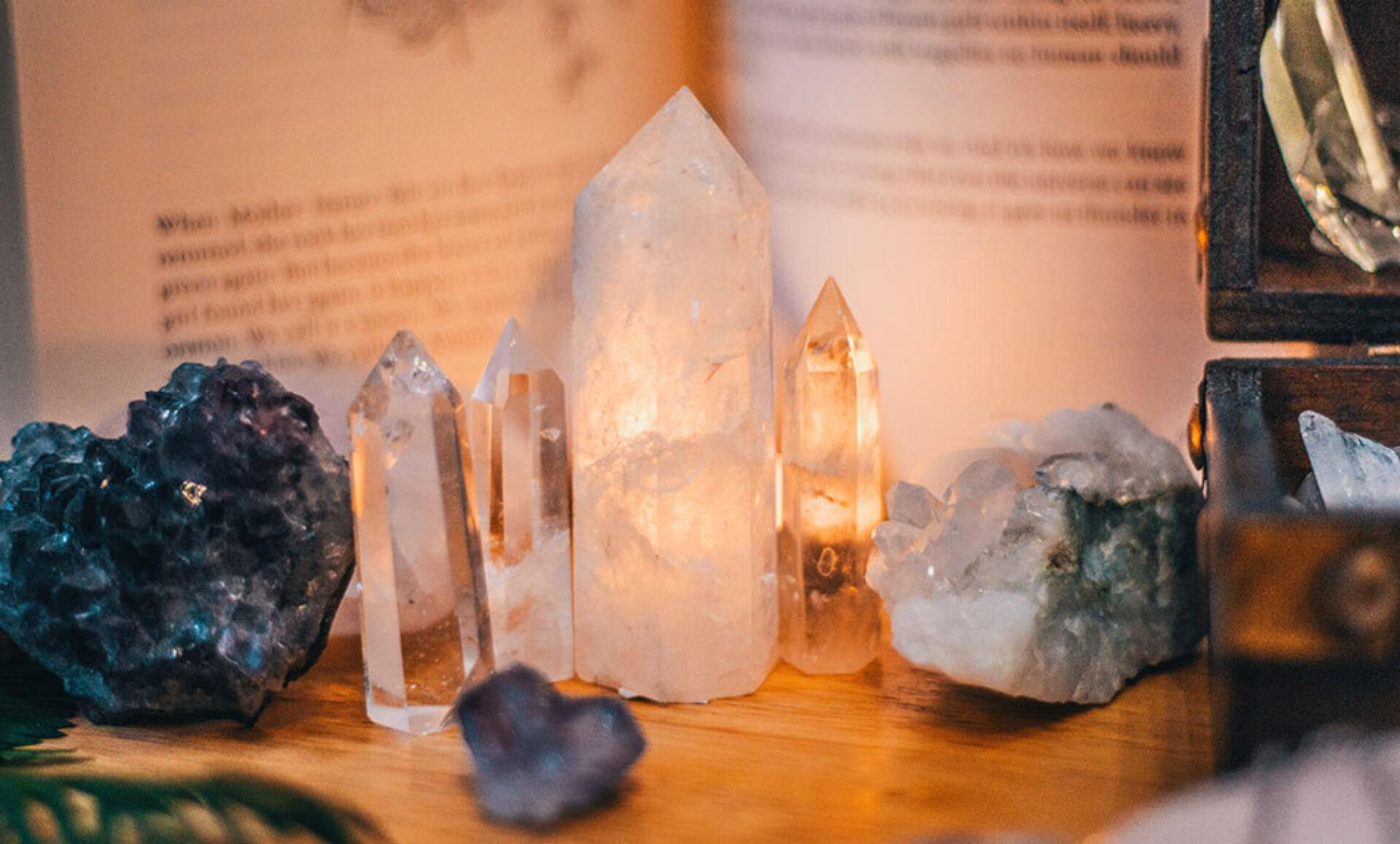 Engelen en kristallen: een rechtstreekse verbinding naar boven