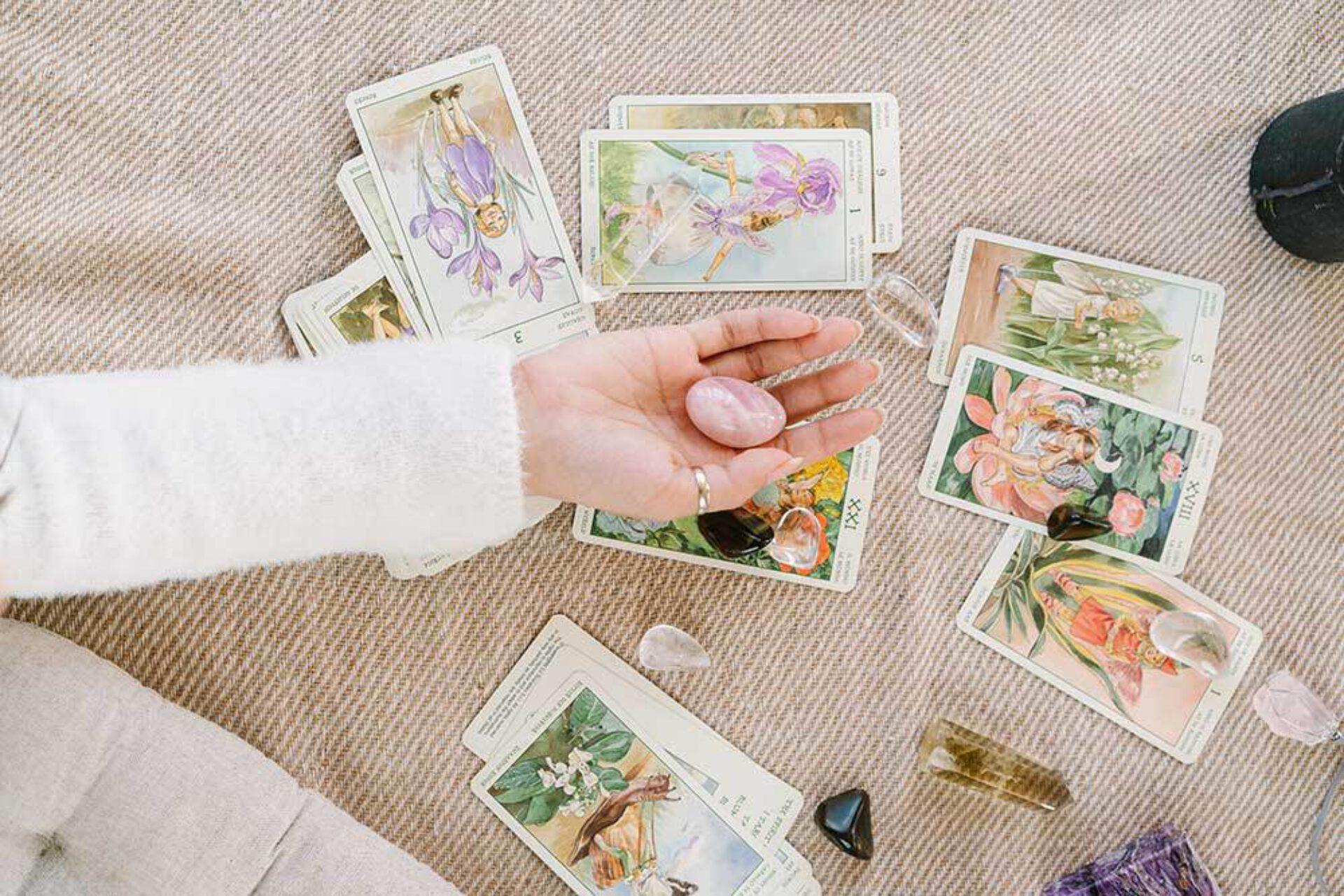 De perfecte tarot reading: 5 manieren om je tarotkaarten te reinigen